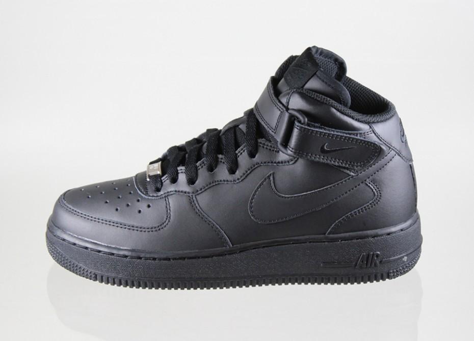 35940ed9 Женские кроссовки Nike Air Force 1 Mid (GS) (black / black ...