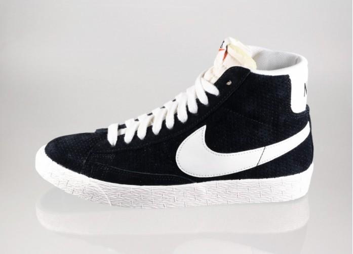Женские кроссовки Nike wmns Blazer Mid Suede Vintage (Black / Sail - Radiant Emerald)   Интернет-магазин Sole