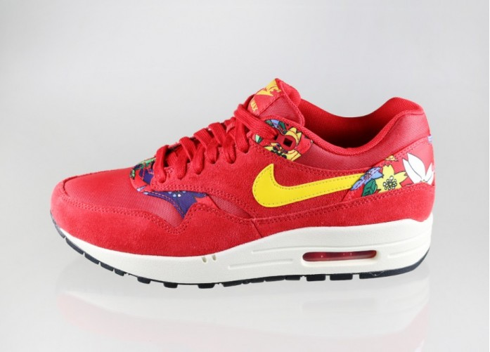 Женские кроссовки Nike Wmns Air Max 1 Print *Aloha Pack* (University Red / True Yellow - Sail - Black) | Интернет-магазин Sole