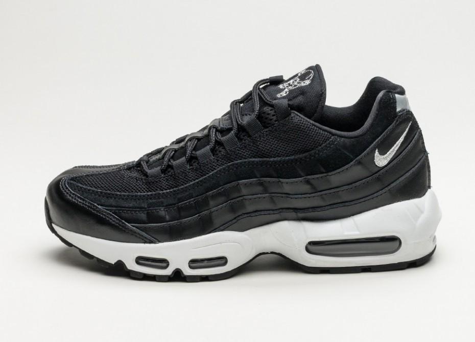 d930a5a9 Женские кроссовки Nike Air Max 95 Premium *Skulls* (Black / Chrome - Black