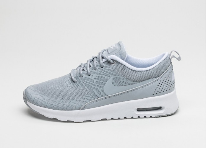 Женские кроссовки Nike wmns Air Max Thea Print (Wolf Grey / Wolf Grey - White - Metallic Silver) | Интернет-магазин Sole