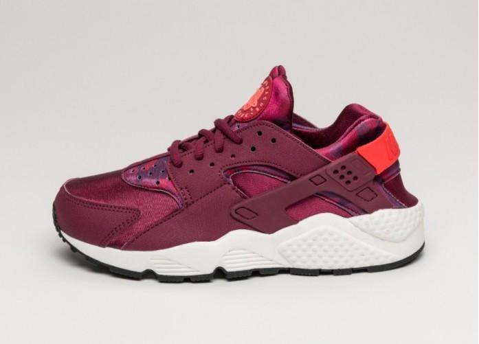 8bd68c7f996f Женские кроссовки Nike Wmns Air Huarache Run Print (Deep Garnet   Bright  Crimson)