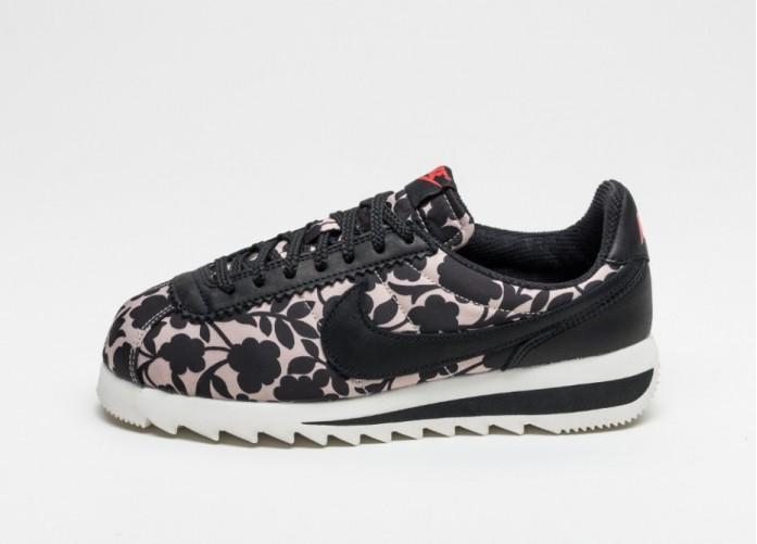 Женские кроссовки Nike X Liberty Wmns Classic Cortez Epic QS (Vachetta Tan / Black)   Интернет-магазин Sole