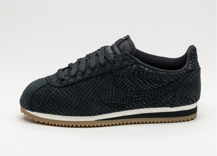 Женские кроссовки Nike Classic Cortez Leather PRM (Black / Black - Gum Light Brown - Sail) | Интернет-магазин Sole