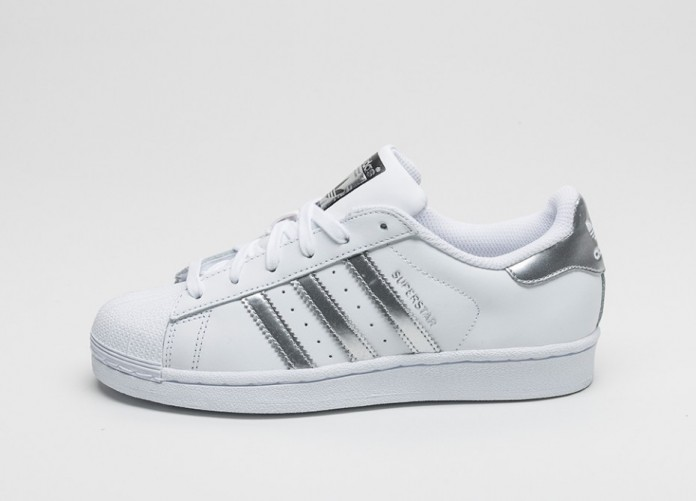 Женские кроссовки adidas Superstar (Ftwr White / Silver Metallic / Core Black) | Интернет-магазин Sole