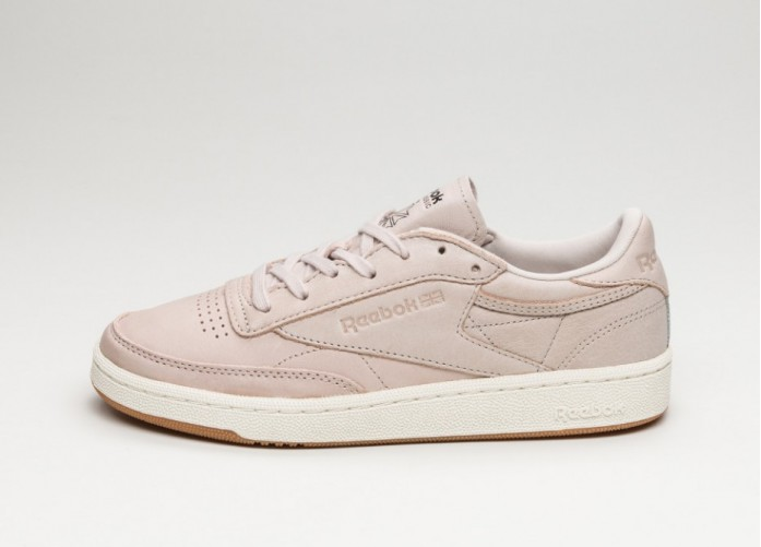 Женские кроссовки Reebok Club C 85 *Golden Neutrals* (Rose Gold / Moon White / Chalk / Lead - Gum) - Women - Sneaker | Интернет-магазин Sole