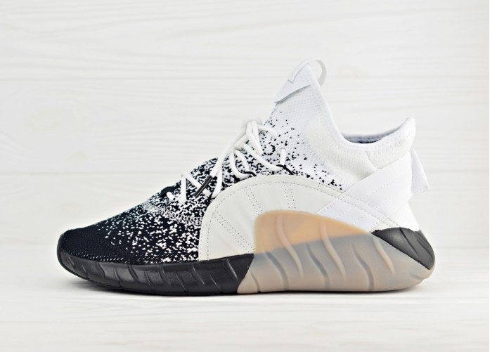 Мужские кроссовки adidas Tubular Rise Primeknit - Running White/Core Black/Light Solid Grey | Интернет-магазин Sole