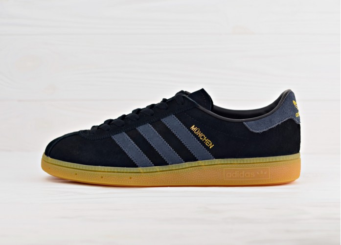 Мужские кроссовки adidas Originals Munchen - Core Black/Dark Grey/Gum | Интернет-магазин Sole