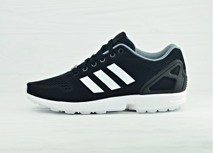 Мужские кроссовки adidas ZX Flux - Core Black / Running White | Интернет-магазин Sole