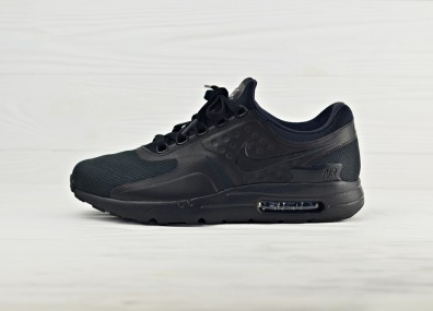 Nike Air Max Zero Essential - Black/Black/Black