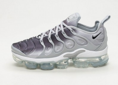 Кроссовки Nike Air Vapormax Plus - Wolf Grey / Black - White