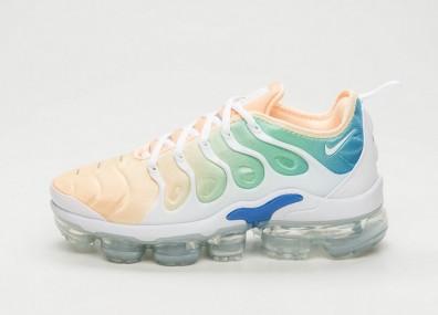 Кроссовки Nike Wmns Air Vapormax Plus - White / White - Light Menta - Tangerine Tint