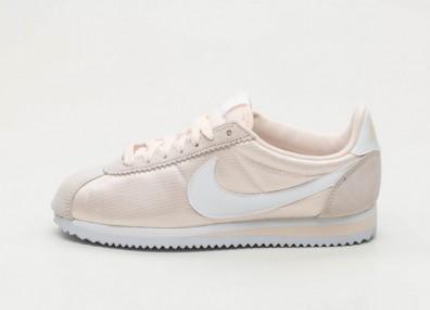 Кроссовки Nike Wmns Classic Cortez Nylon - Guava Ice / White