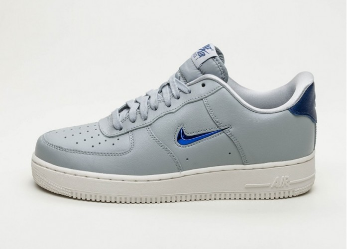 Кроссовки Nike Air Force 1 '07 LV8 Leather (Wolf Grey / Deep Royal Blue - Summit White) | Интернет-магазин Sole