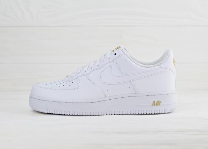 Мужские кроссовки Nike Air Force 1 '07 - White/White-Metallic Gold | Интернет-магазин Sole