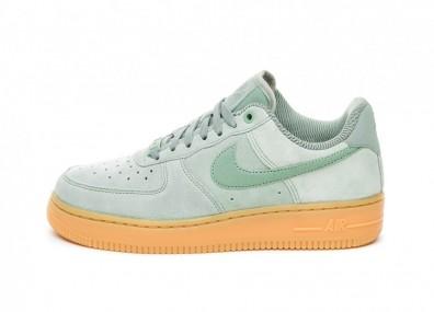 Кроссовки Nike Wmns Air Force 1 '07 SE (Mica Green / Mica Green - Gum Light Brown)