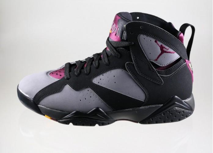Мужские кроссовки Nike Air Jordan 7 Retro *Bordeaux* (Black / Bordeaux - Light Graphite - Midnight Fog) | Интернет-магазин Sole