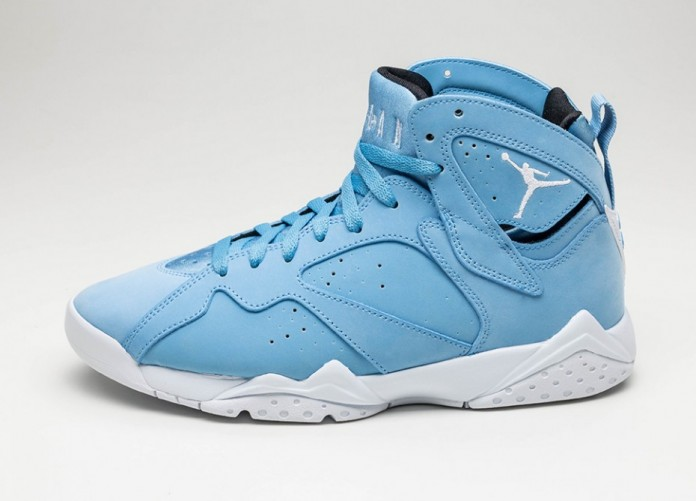 Мужские кроссовки Nike Air Jordan 7 Retro *Pantone* (University Blue / White - White - Black) | Интернет-магазин Sole