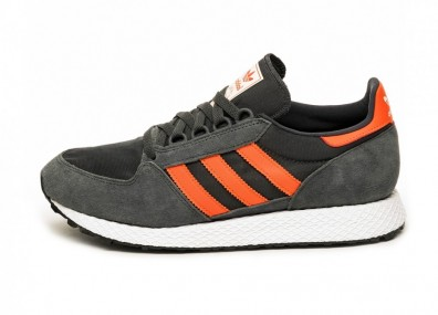 Кроссовки adidas Forest Grove (Carbon / Active Orange / Easy Yellow)