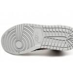 Кроссовки Nike Air Jordan 1 Mid (Black / Particle Grey - White - Gym Red), фото 6 | Интернет-магазин Sole