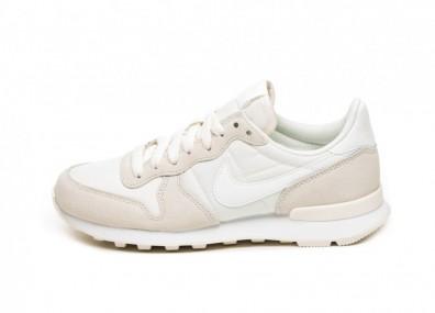Кроссовки Nike Wmns Internationalist (Pale Ivory / Summit White - White)