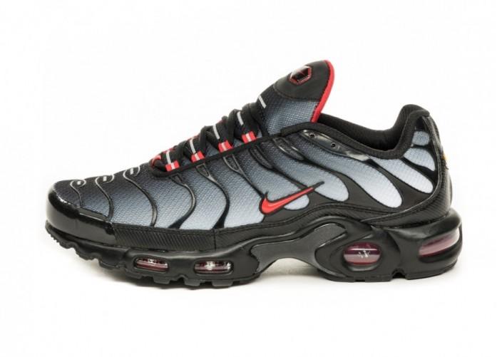 Кроссовки Nike Air Max Plus (Black / University Red - Wolf Grey) | Интернет-магазин Sole
