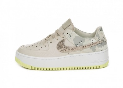 Кроссовки Nike Wmns Air Force 1 Sage Low PRM (Lite Orewood Brown / Moon Particle - White)