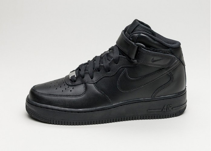 Женские кроссовки Nike Wmns Air Force 1 '07 Mid (Black / Black) | Интернет-магазин Sole