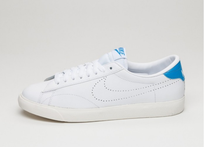 Мужские кроссовки Nike Tennis Classic AC (White / White - Light Photo Blue) | Интернет-магазин Sole