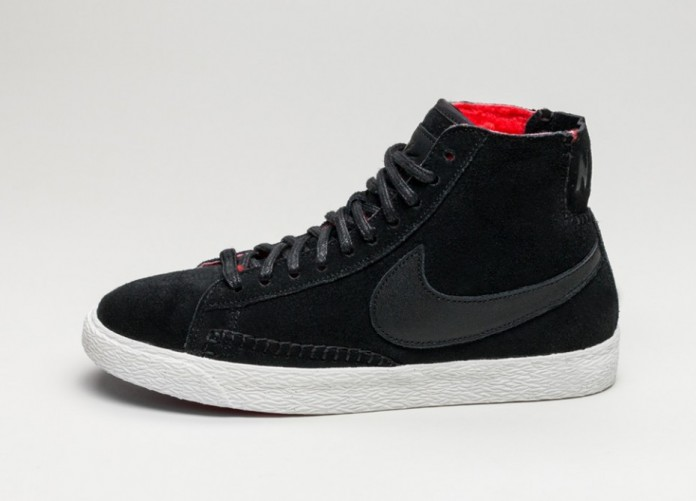 Женские кроссовки Nike Wmns Blazer Mid PRM *Sherpa Pack* (Black / Black - Action Red - Summit White) | Интернет-магазин Sole
