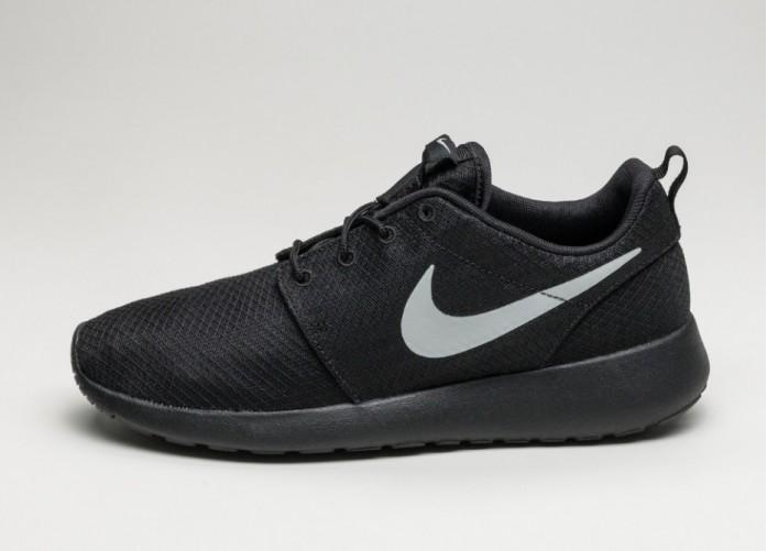 Мужские кроссовки Nike Roshe One (Black / Matte Silver - Flat Silver) | Интернет-магазин Sole