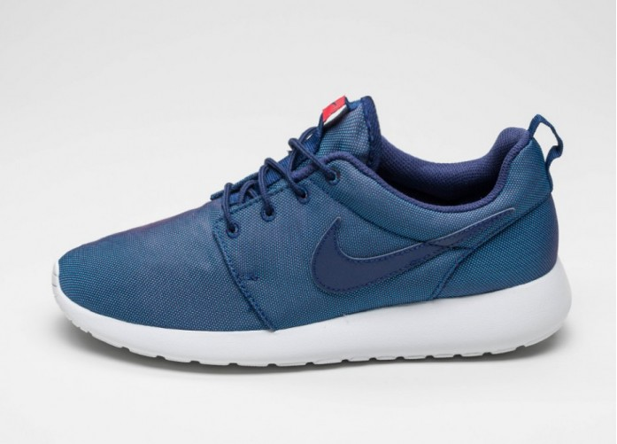 Мужские кроссовки Nike Roshe Run Premium (Loyal Blue / Loyal Blue - University Red) | Интернет-магазин Sole