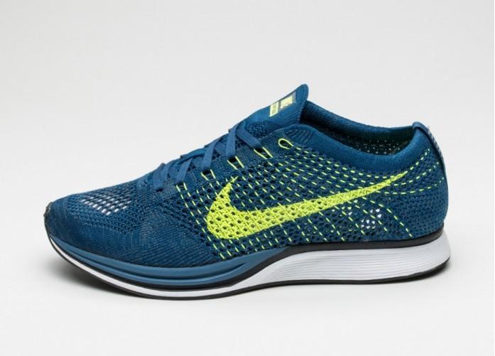 Мужские кроссовки Nike Flyknit Racer (Brave Blue / Volt - Squadron Blue) | Интернет-магазин Sole