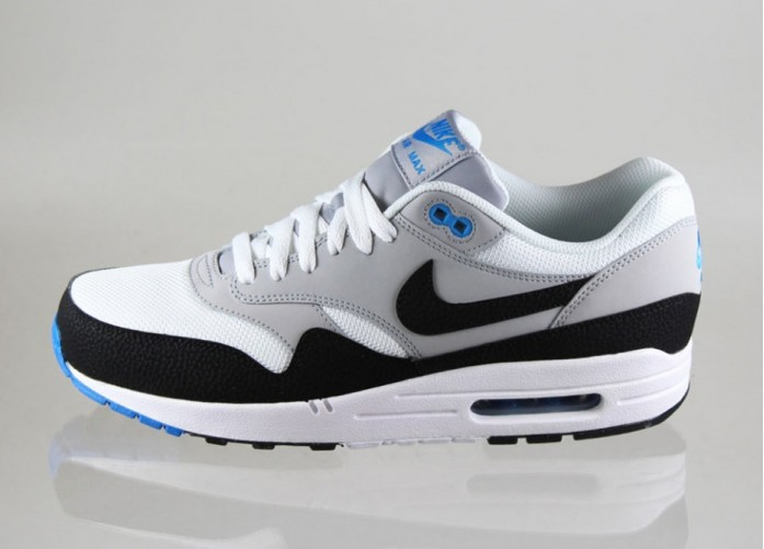 Мужские кроссовки Nike Air Max 1 Essential (WHITE / BLACK - WOLF GREY - PHOTO BLUE) | Интернет-магазин Sole