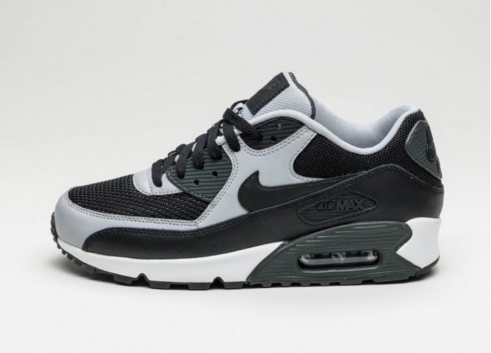 Мужские кроссовки Nike Air Max 90 Essential (Black / Black - Wolf Grey - Anthracite) | Интернет-магазин Sole