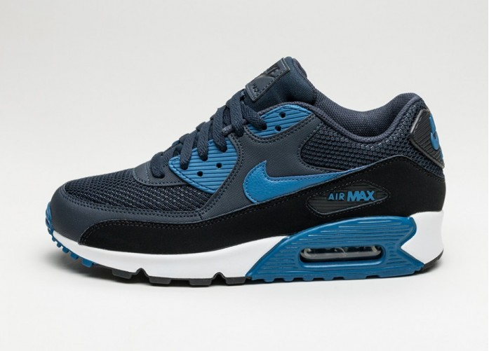 Мужские кроссовки Nike Air Max 90 Essential (Dark Obsidian / Court Blue - Black - White) | Интернет-магазин Sole