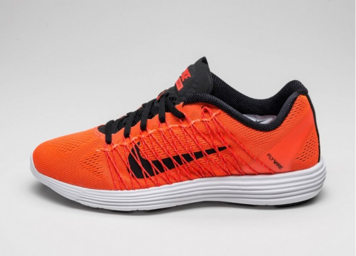 Мужские кроссовки Nike Lunaracer+ 3 (Total Crimson / Black - Bright Crimson - White) | Интернет-магазин Sole