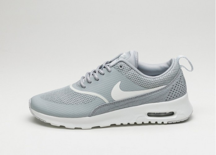 Мужские кроссовки Nike Wmns Air Max Thea (Matte Silver / Summit White - Pure Platinum) | Интернет-магазин Sole