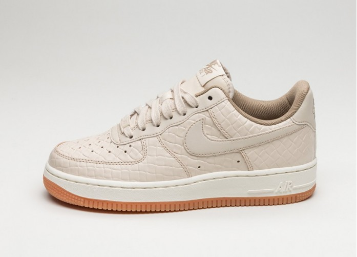Женские кроссовки Nike Wmns Air Force 1 '07 PRM (Oatmeal / Oatmeal - Khaki - Sail) | Интернет-магазин Sole