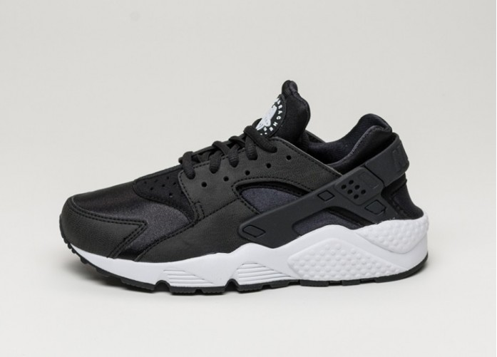 Мужские кроссовки Nike Wmns Air Huarache Run (Black / Black - White) | Интернет-магазин Sole
