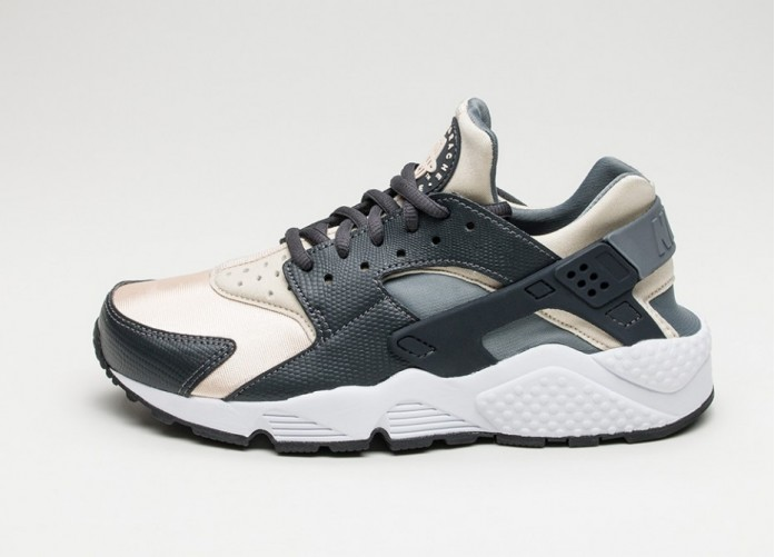 Женские кроссовки Nike Wmns Air Huarache Run (Anthracite / Oatmeal - Cool Grey - Black) | Интернет-магазин Sole