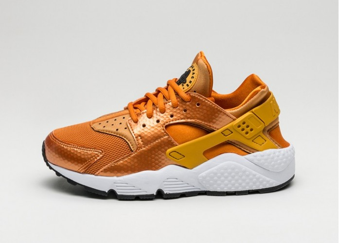 Мужские кроссовки Nike Wmns Air Huarache Run (Sunset / Gold Dart - White - Black) | Интернет-магазин Sole