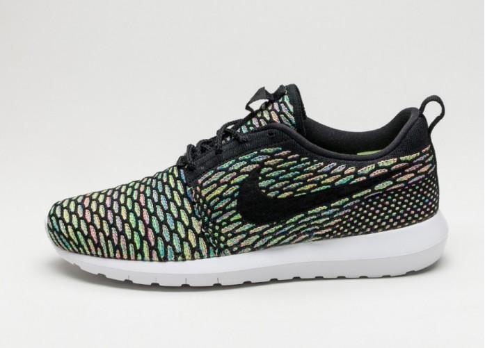 Мужские кроссовки Nike Roshe NM Flyknit (Black / Black - Pink Pow - Blue Glow) | Интернет-магазин Sole