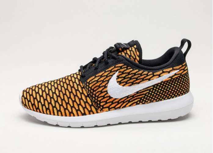 Мужские кроссовки Nike Roshe NM Flyknit (Black / White - Total Orange - Volt) | Интернет-магазин Sole