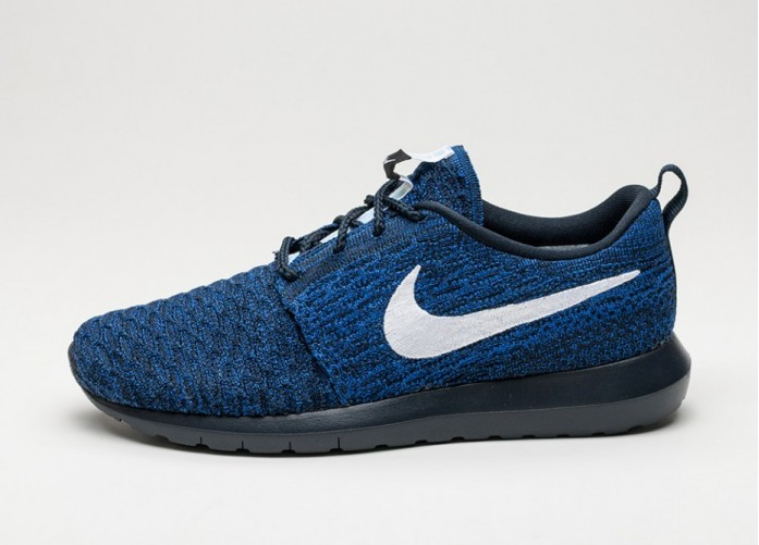 Мужские кроссовки Nike Roshe NM Flyknit (Dark Obsidian / White - Racer Blue) | Интернет-магазин Sole