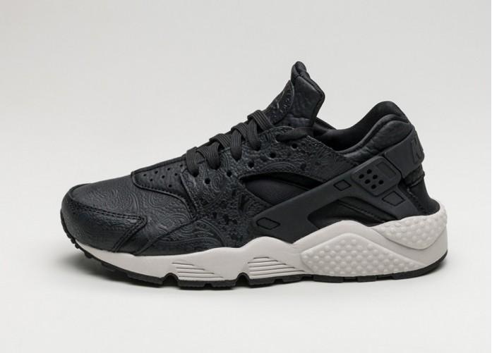 Женские кроссовки Nike Wmns Air Huarache Run PRM *Paisley Pack* (Black / Black - Light Bone - Dark Grey) | Интернет-магазин Sole