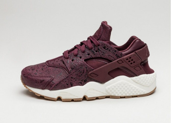 Женские кроссовки Nike Wmns Air Huarache Run PRM *Paisley Pack* (Night Maroon / Night Maroon - Sail) | Интернет-магазин Sole