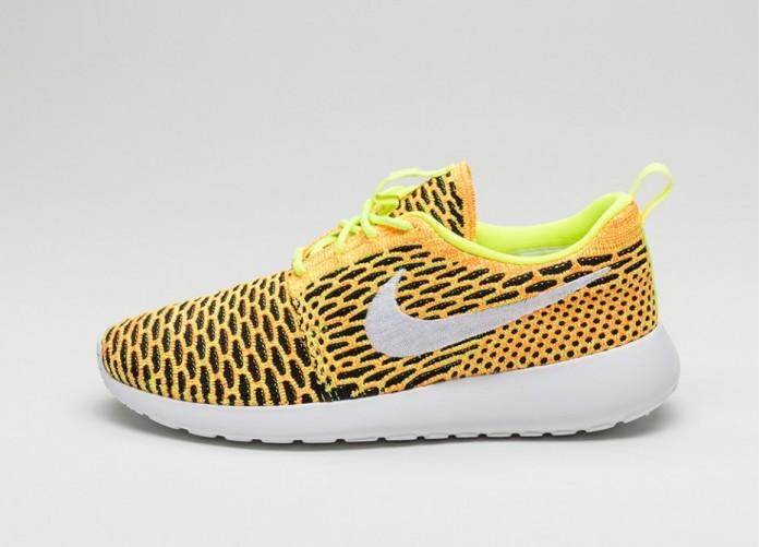Мужские кроссовки Nike Wmns Roshe One Flyknit (Volt / White - Total Orange - Black)   Интернет-магазин Sole