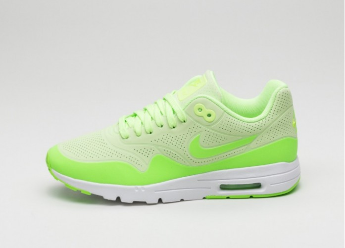 Мужские кроссовки Nike Wmns Air Max 1 Ultra Moire (Ghost Green / Electric Green - White) | Интернет-магазин Sole