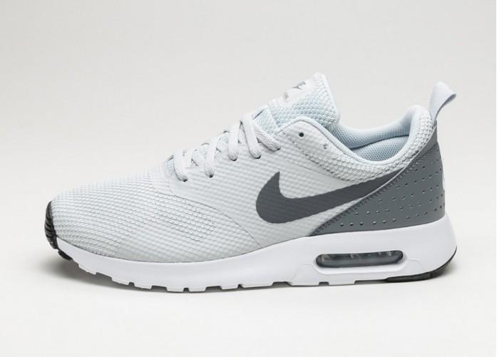 Мужские кроссовки Nike Air Max Tavas (Pure Platinum / Cool Grey - Black - White) | Интернет-магазин Sole